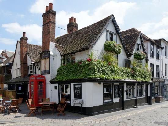 St Albans Leads the Way in Supporting Pubs